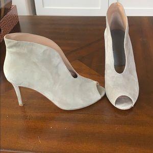 Vince Camuto gray suede heels